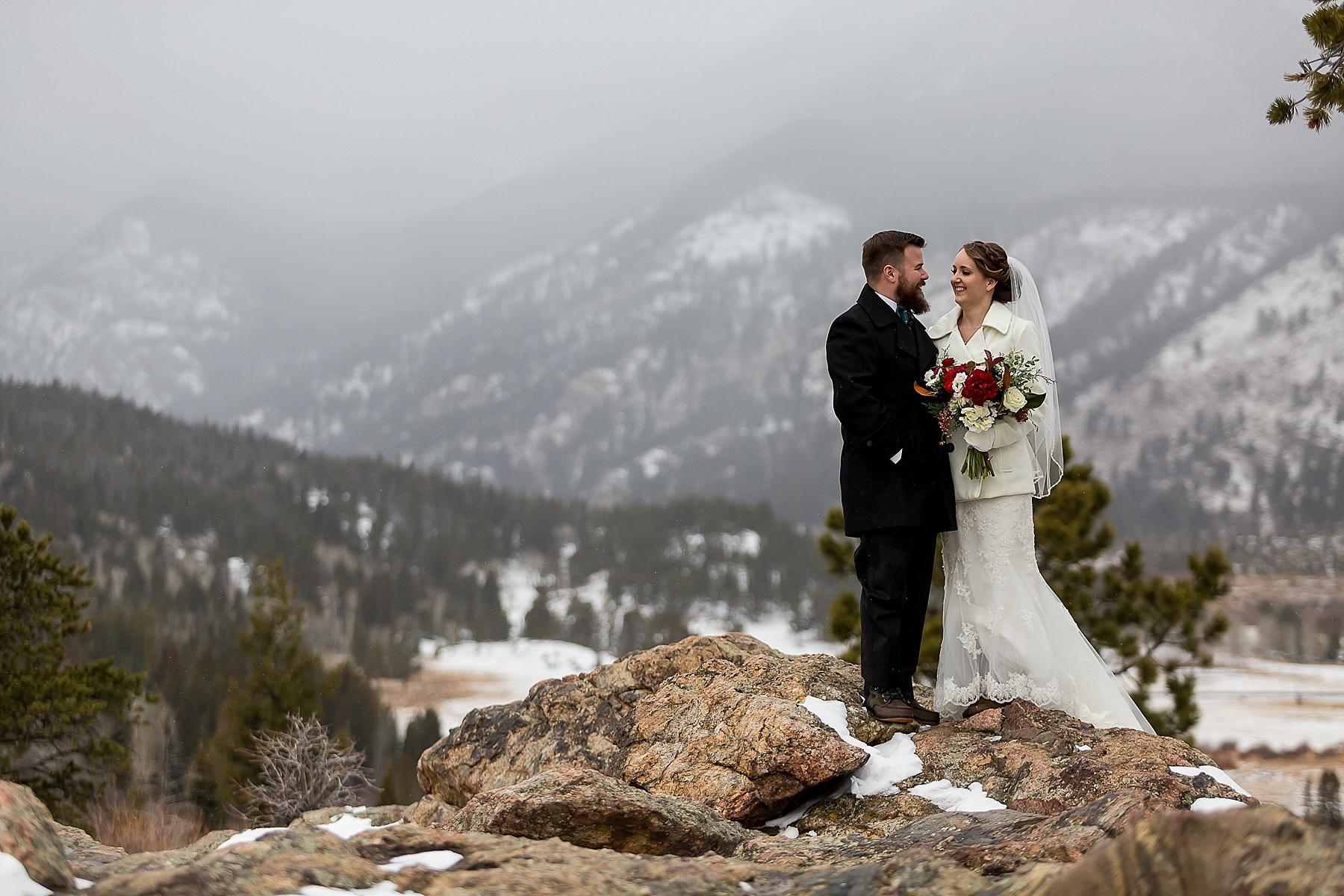 Kirsten And Kurt S Marys Lake Lodge Winter Wedding Estes